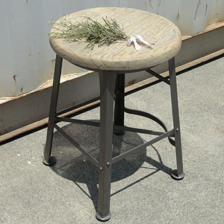 The 25+ best Short bar stools ideas on Pinterest   Wooden ...