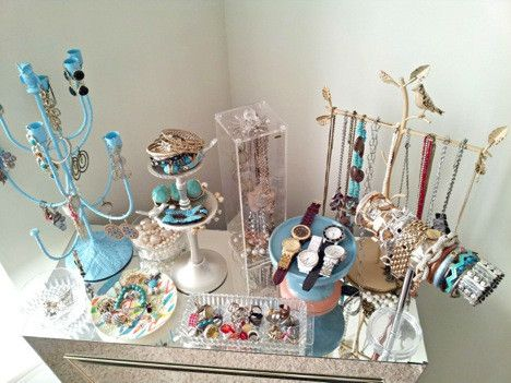 Guest Post - Lacey of Sunny + Turquoise shows us her STUNNING budget jewellery display | Castellammare Jewellery