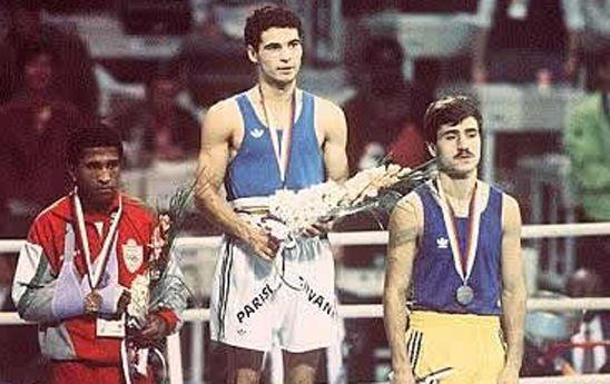 Giovanni Parisi (Vibo Valentia, 2 dicembre 1967 – Voghera, 25 marzo 2009) seul 1988-ORO:Pugilato-Pesi piuma