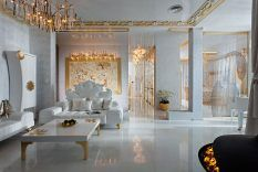 Huis Interieur › Witte Woonkamer Met Witte Unieke Banken En Grote Salontafel Plus Goud Verlichting Door Victoria Faynblat › Glamour en Luxe Woonkamer en Interieur Ideeën door Victoria Faynblat
