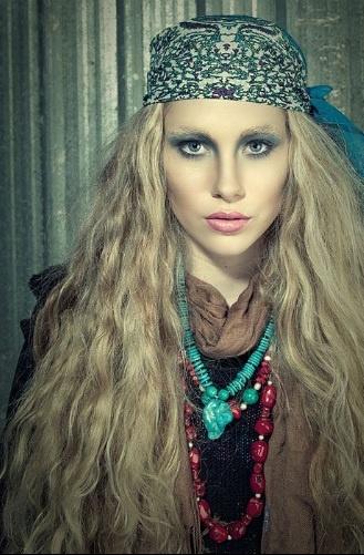 Roxy. Photo: Grant Collier, Make-up: Ella Volino, Jewellery by Lisa Tamati.