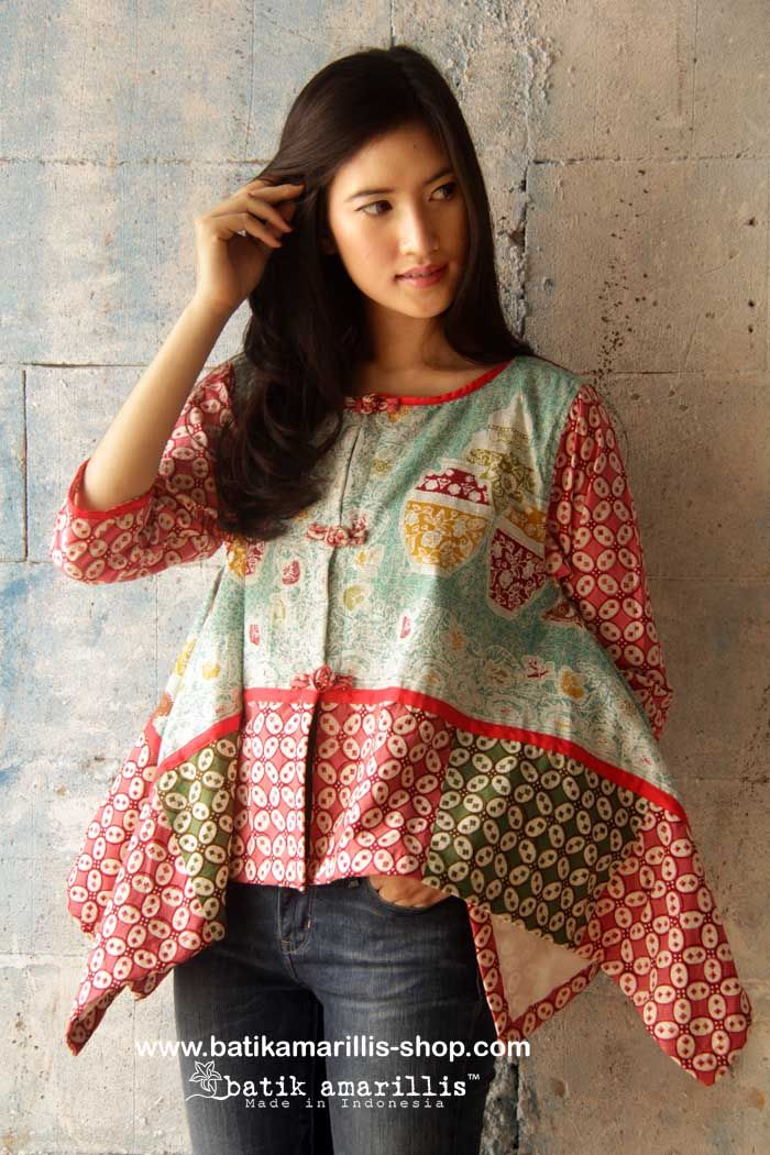 www.batikamarillis-shop.com batik amarillis's signature patchwork jacket made with various Batiks of Indonesia when uniqueness of artwork and passion blended into something beautiful..the story behind how to make batik amarillis's signature patchwork jacket is pretty unique and a little bit complicated,how each batiks meticulously blended,lined with cotton ,with 3 handmade chinese frog buttons,a lovely piping to frame out the whole look to come into life!