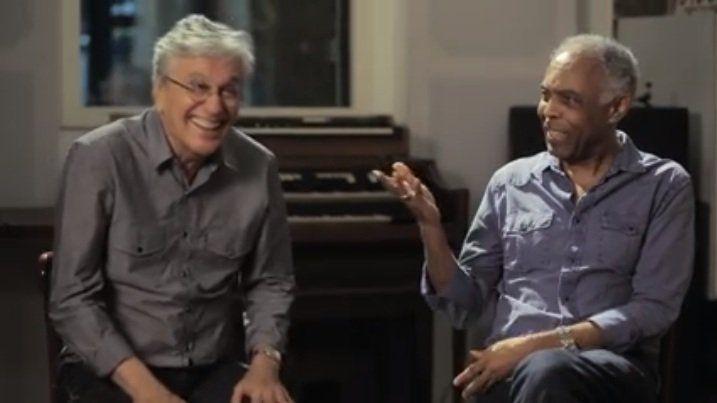 Em entrevista ao Deezer Caetano e Gil comentam manchetes engraçadas e sugerem músicas