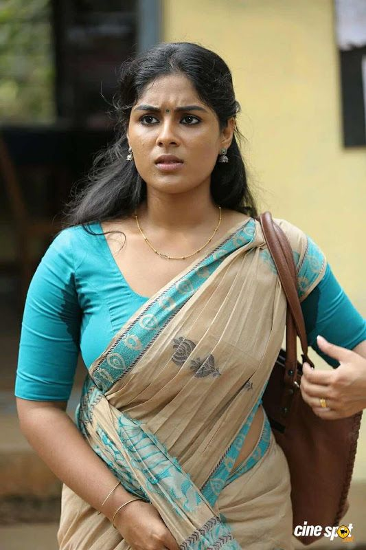 Samyuktha Menon Latest Saree Photos  Indian Filmy Actress -1624