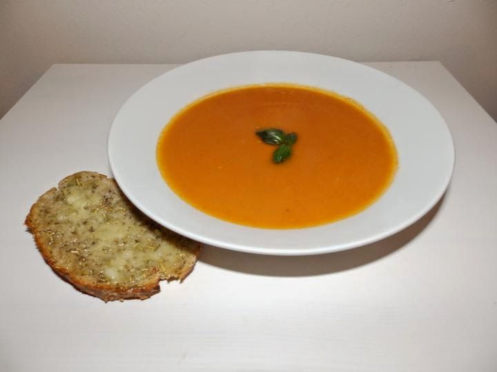 VeggieFish: Baked tomatoes creamy soup