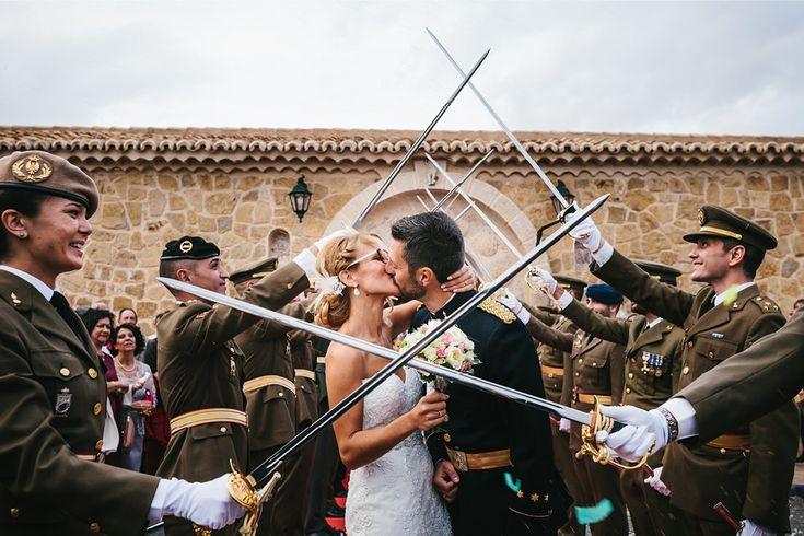 La boda de Rosa y Alejandro http://ift.tt/1VHqaD0
