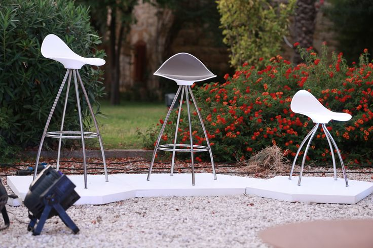 Event in the spanish embassy in Beyrouth with ChairsGallery, the STUA partner in Lebanon. In the image Onda stools.