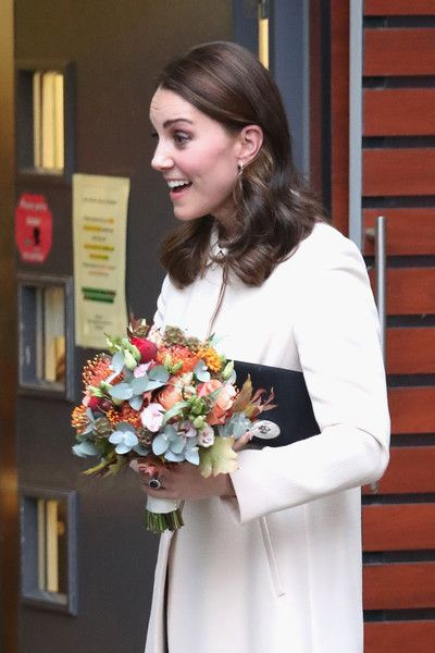 Kate Middleton Photos - Catherine, Duchess of Cambridge departs after visiting Family Action at Hornsey Road Children's Centre on November 14, 2017 in London, England. - The Duchess Of Cambridge Visits Hornsey Road Children's Centre