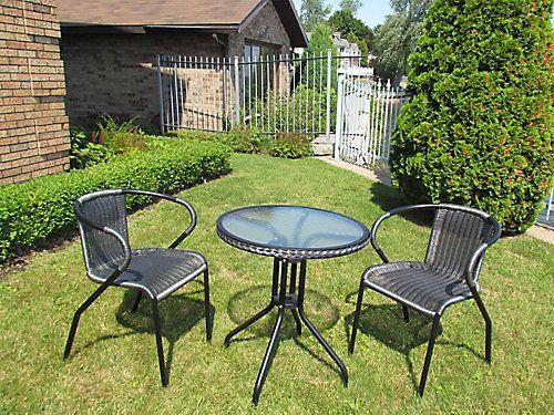 1000 id es sur le th me des chaises en osier sur pinterest - Place du verre a eau sur une table ...