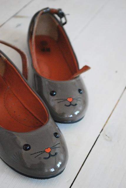 sweet...kitten mary janes