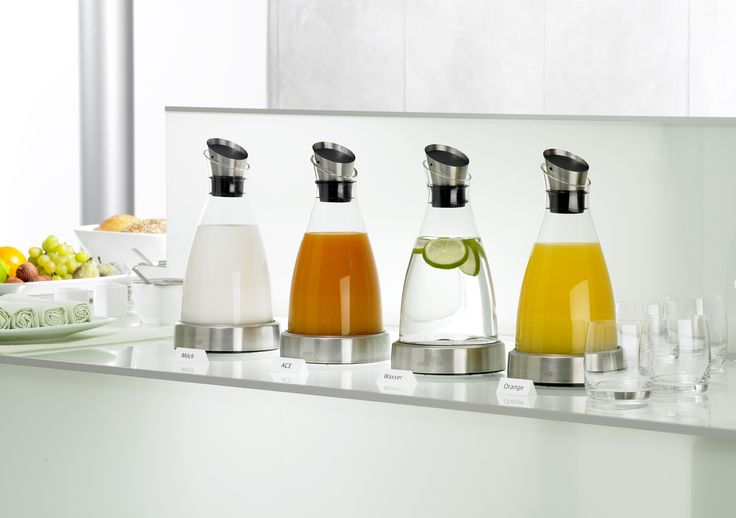 juice carafes with chilling packs
