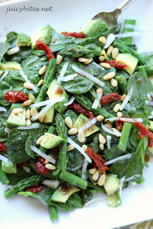 Spinach and Asparagus Salad with Avocado and Sun Dried Tomatoes