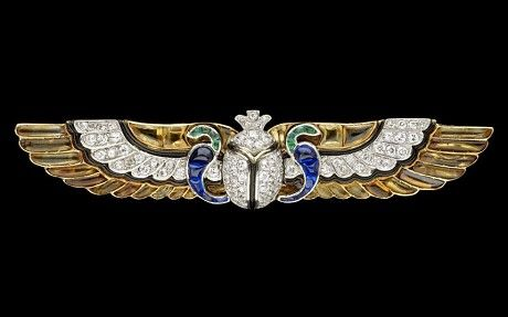 "A Cartier diamond brooch from the 1920s, inspired by the recent discovery of King Tut's tomb. From ""Why the world went wild for King Tut"" - Telegraph"