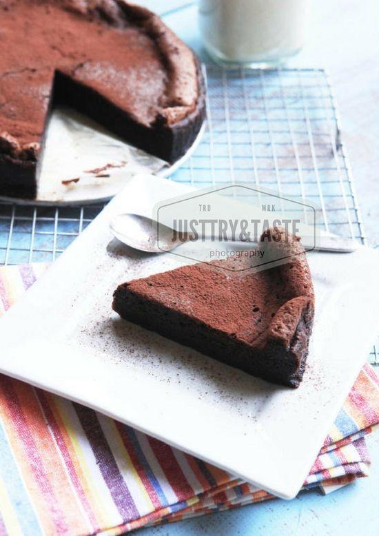 Cake Coklat Retak dengan 4 Bahan Tanpa Tepung