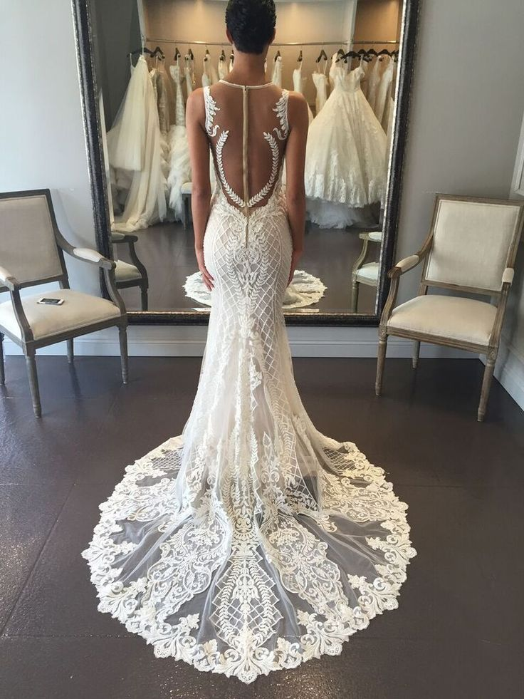 The illusion panel on this @bertabridal gown is one of the most unique we've seen.