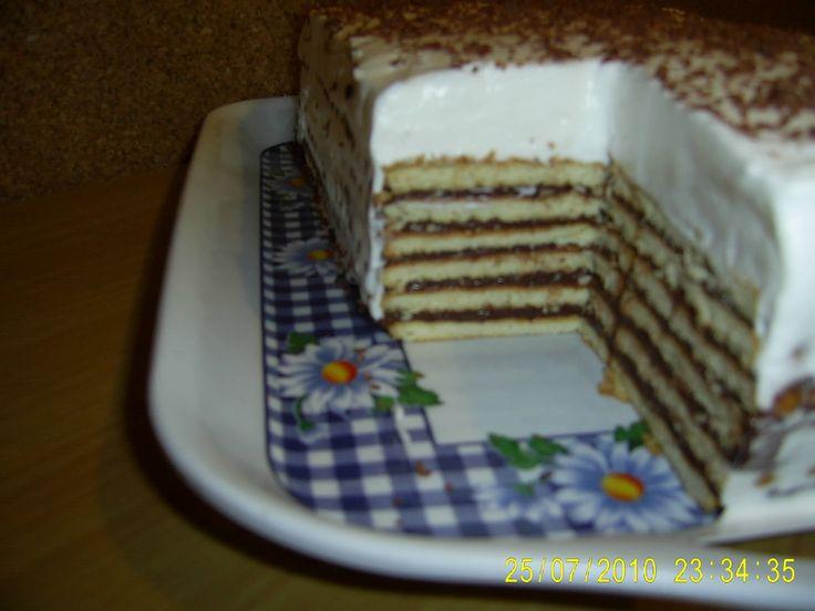 Tort de biscuiti,ciocolata si frisca