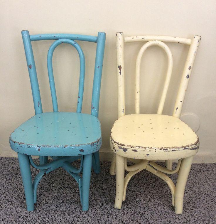 lasten tuolit 20-30 lukujen vaihteesta Ranskasta . istumakorkeus 30cm . turkoosi myyty . @kooPernu