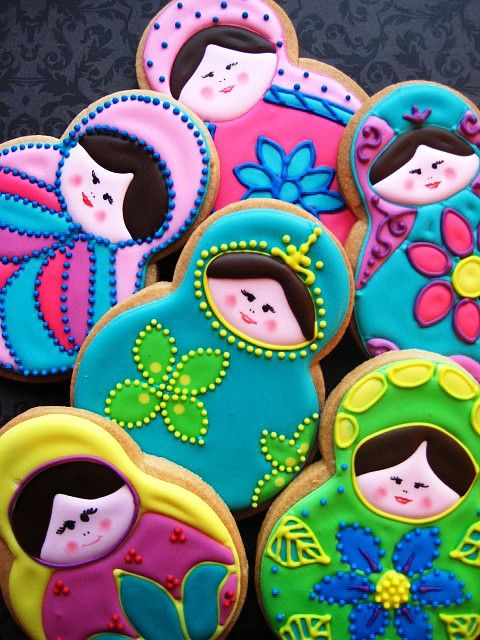 Babushka cookies for the Olympics in Sochi, Russia! So cute.