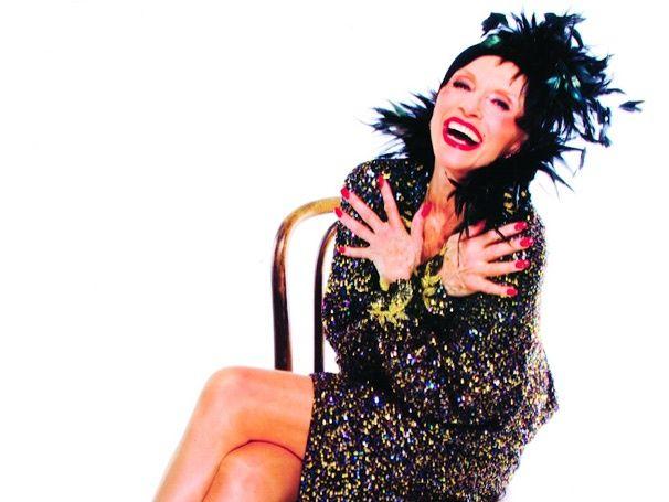 17 best images about nine 2003 raul julia on pinterest - La diva julia film ...