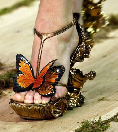 wowAlexander Mcqueen, Fashion Shoes, Fairies, Effie Trinket, Butterflies Shoes, Alexandermcqueen, Art, Heels, Monarch Butterflies