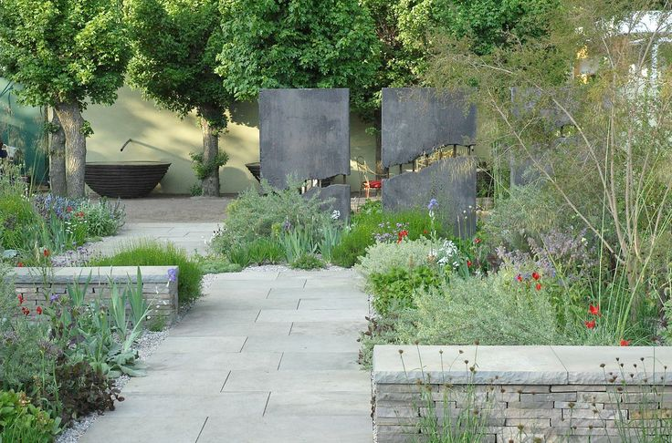 Cleve West  Landscape Design.   Love the way the scale plays with the aspect of this garden.