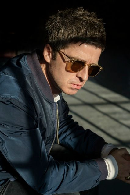 Noel Gallagher. Sunglasses.