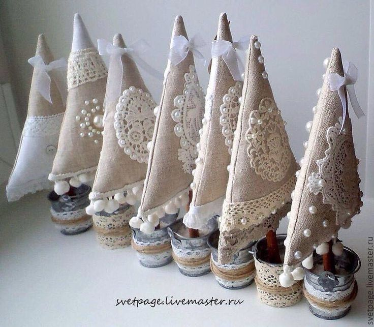 This site has LOTS of really cute, different X-mas trees