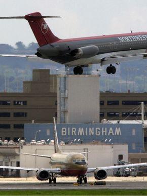 NWA DC-9 landing at Birmingham–Shuttlesworth Int'l (BHM) Airport Runway 24