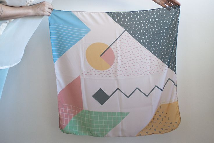 SCARF 70X70cm - 2014 collection RETROMETRIA inspired by the italian Memphis Group.
