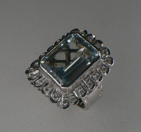Acquamarine & Diamonds White Gold handmaded ring by Paolo Brunicardi goldsmith in Carrara (Tuscany-Italy).