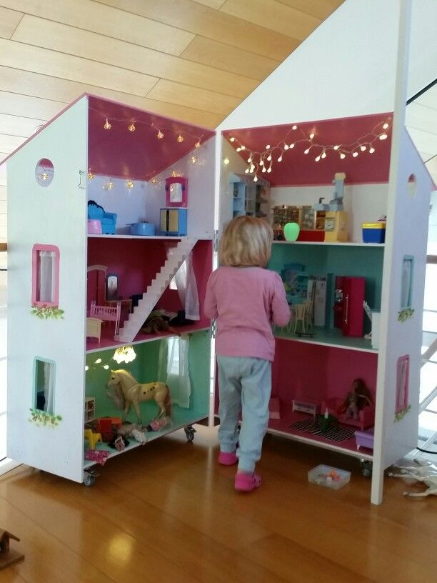 die 25 besten ideen zu barbiehaus auf pinterest diy puppenhaus barbie puppe haus und. Black Bedroom Furniture Sets. Home Design Ideas