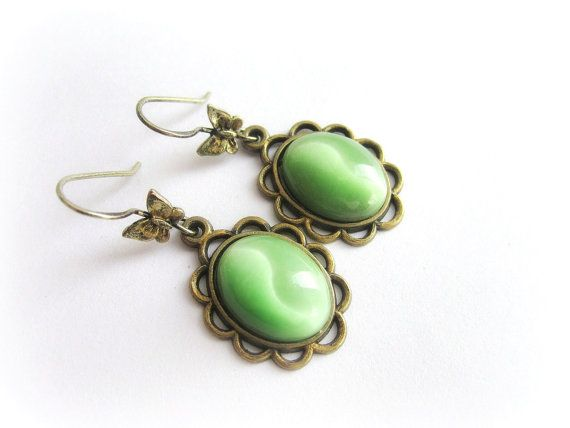 Cats eye earrings green gemstone earrings cat by MalinaCapricciosa