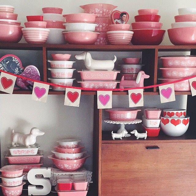 Vintage Pyrex for Valentine's Day, Love It!  What a Pink Pyrex Collection. ~ Mary Walds Place - My 2015 Valentine's Day Pyrex Display