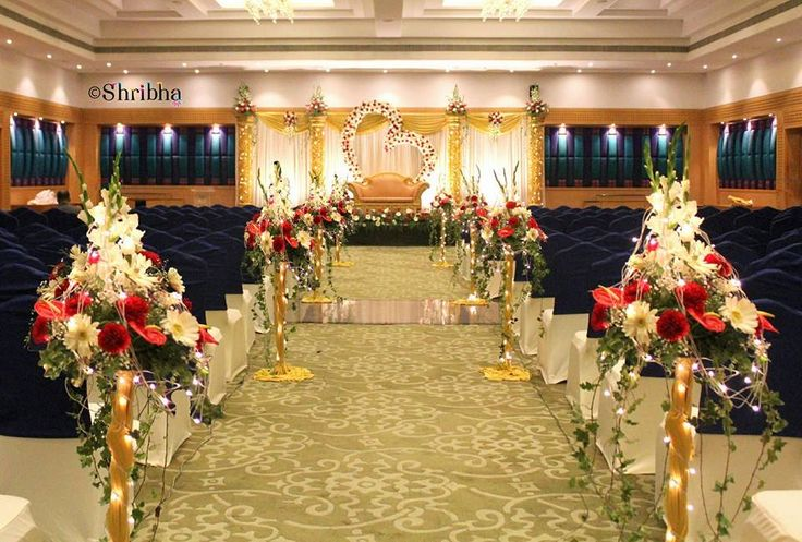 There is thing for the great wedding-flowers! Photo by Shribha Wedding Flower Decor, Chennai #weddingnet #wedding #india #indian #indianwedding #weddingdecor #decor #decorations #decorators #indoorwedding #indoor #indordecorator #indianweddingoutfits #outfits #backdrops #llittlethings #flowers #way #life