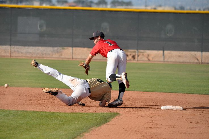 Game Day, Spring 2015, March 12 - Scottsdale Community College vs Seminole State College, Seminole, Oklahoma. Photo credit: Brad Coen #scottsdalecc #gochokes #sccstudents #baseball #fightingartichokes #seminoletrojans