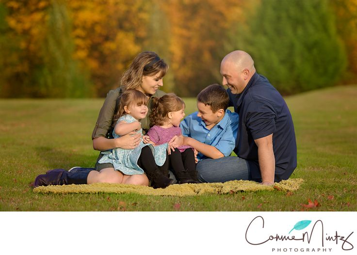 Newborn and family photography vancouver wa lifestyle family photo mom dad