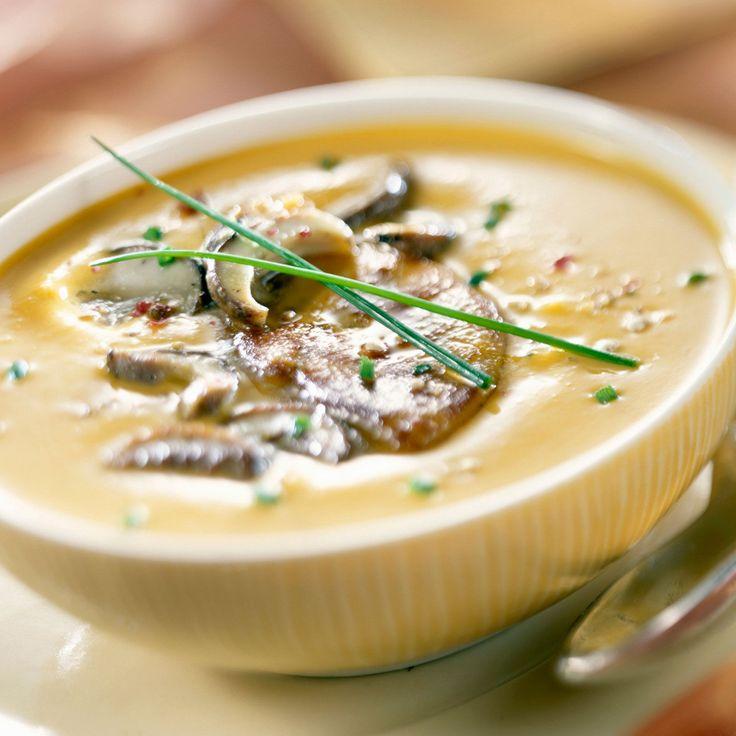 Découvrez la recette de la soupette de champignons au foie gras