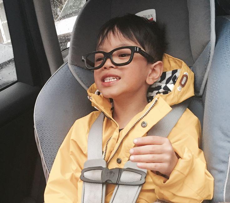 Avion avec bébé et enfant : tout savoir sur le siège d'auto