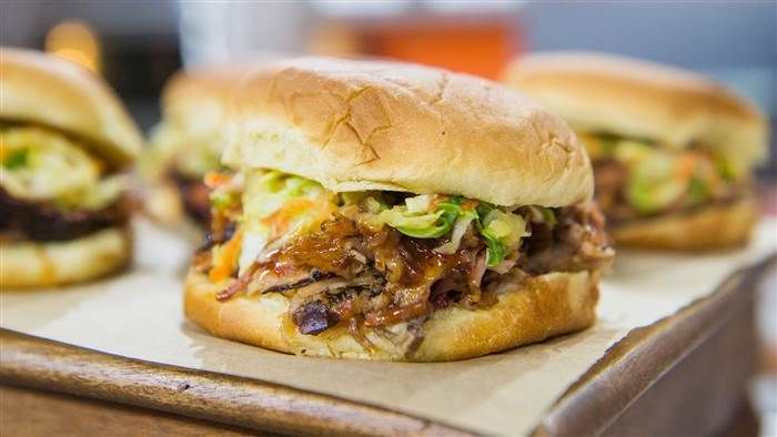 MAKE DAY B4 IN OVEN ( FOLLOW DIRECTIONS 4 4# ROAST IN OVEN) SERVE W /SLAW FROM QED IN RECIPE KEEPERMake Big Bob Gibson Bar-B-Q's award-winning pulled pork sandwich