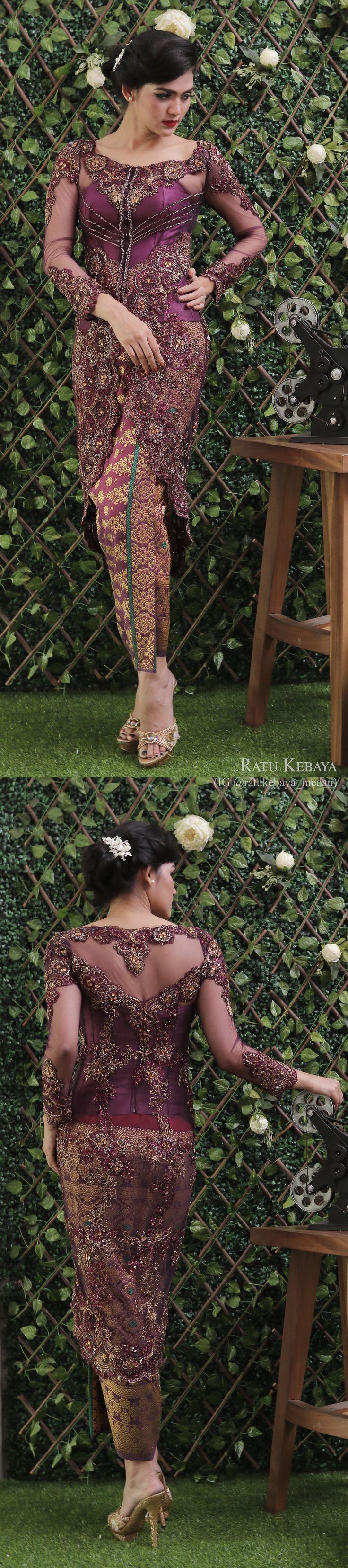 Kebaya dengan padanan songket Palembang (IG @ratukebaya_medan)