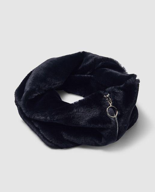 cc15bb3c85 Cuello de mujer Fórmula Joven en terciopelo negro