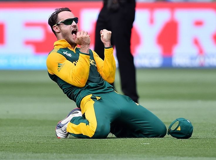 Faf du Plessis is delighted after pouching Virat Kohli for 46, India v South Africa, World Cup 2015, Group B, Melbourne, February 22, 2015 ©Associated Press | www.indiadefends.com #indiadefends