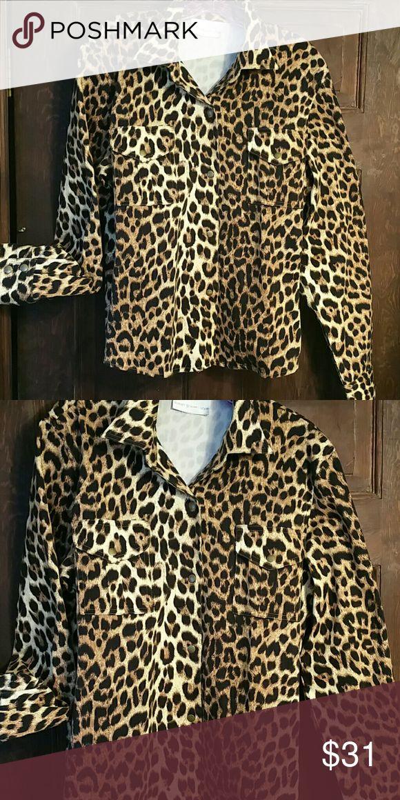 THICK COTTON&SPANDEX LEOPARD SHIRT JKT. EUC! Brass snaps .Susan Graver Style. Fits L/XL Susan Graver Tops