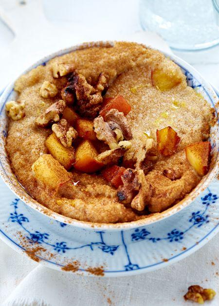 Ein gesundes, warmes Frühstück zum Träumen: Amaranth-Porridge mit Äpfeln und Walnüssen