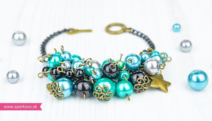 Kreatívny kurz Ketlované šperky - náramok. Elegantný a už z diaľky pútajúci pozornosť – presne takýto môže byť perličkový náramok, ktorý sa naučíte tvoriť..