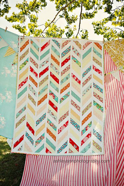 Chevron Quilt - wish I could do this..  I would love one for the bed.  Maybe I could find someone and pay them???