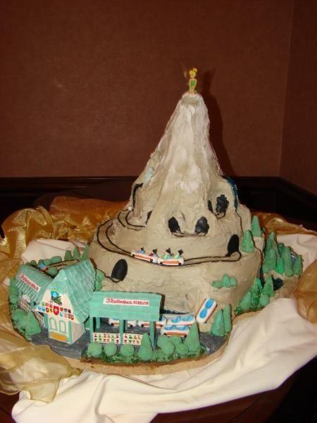 Disneyland Cake Images : 1000+ images about Disneyworld Cakes on Pinterest Disney ...