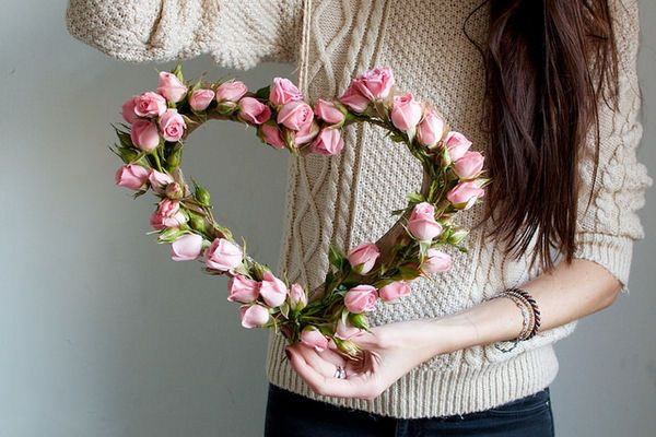 Get Your Home Ready for V-Day with a Pretty DIY Floral Heart #wedding #decor trendhunter.com