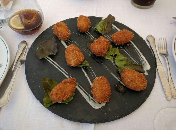 croquetas de marisco