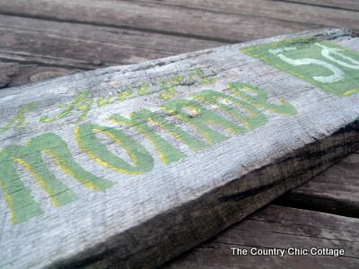How to make your own barn wood style sign: Barn Wood